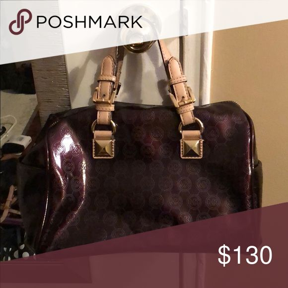 Brown Michael Kors Bag Worn maybe 5 times. Beautiful bag. Not a mini bag, held around wrist. KORS Michael Kors Bags Mini Bags