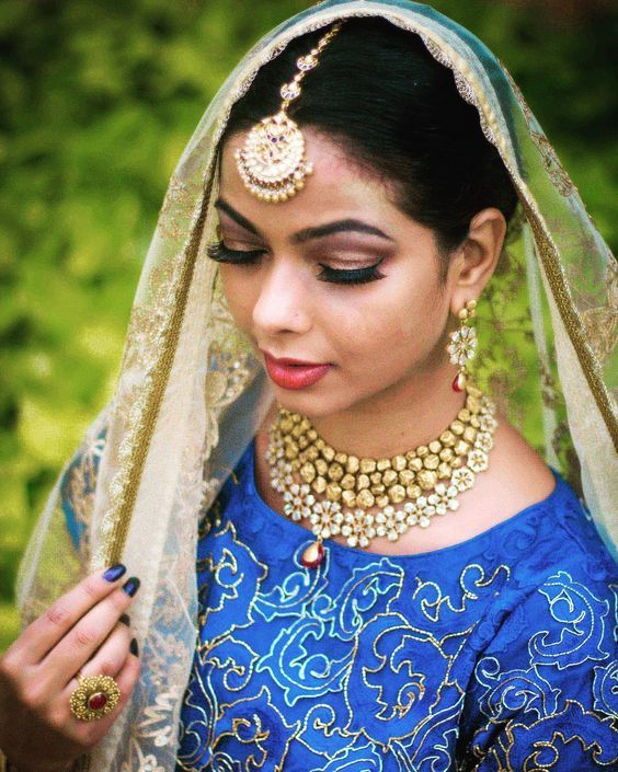 3dc9894be Traditional bridal jewellery inspiration for Indian brides | Bridal  necklace | Minimal jewelry look | Indian wedding jewellery | Bridal  Portrait | Bridal ...
