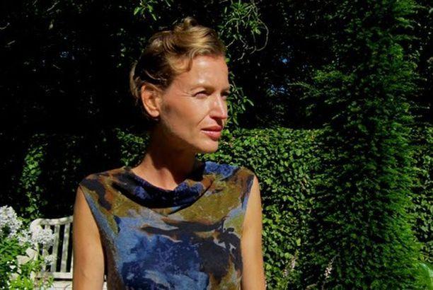 Gratis naaipatroon mouwloze jurk met gedrapeerde halslijn