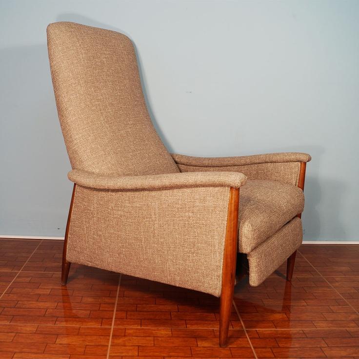 reclining lounge chair nice shape
