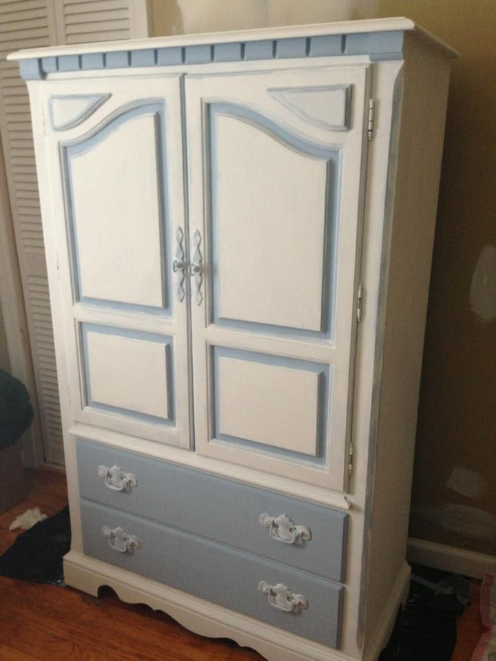 Can paint sections of the IKEA wardrobe to make it nicer