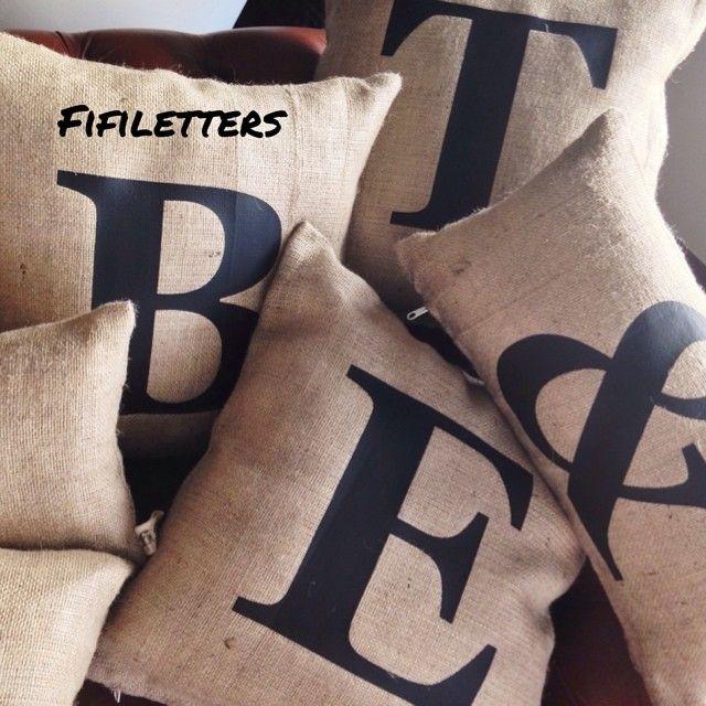 #fifiletters #pillows #yastik #yilbasi #hediye #harf #aydinlatma #lamba #kirmizi #dekorasyon #ev #decoration #tasarim #design #mavi #sarı #yesil #pembe #vintage #kisiyeozel #isim #ampul #siyah #beyaz #kar #kis #winter #snow #family
