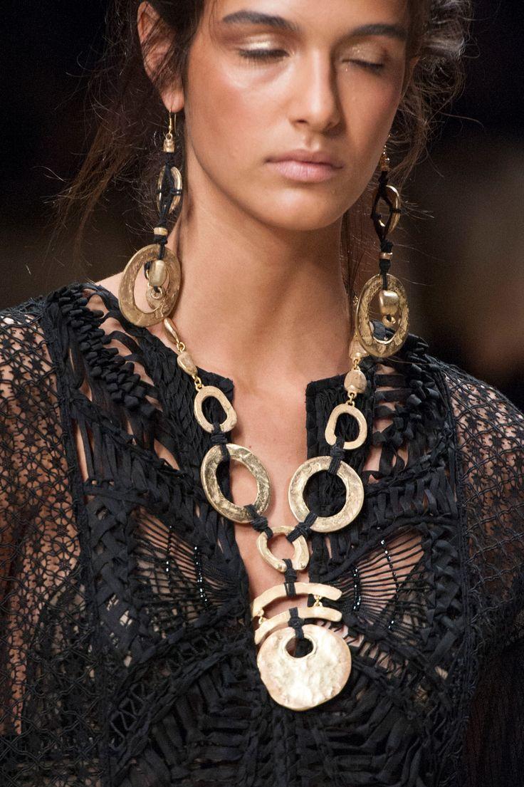 Exotic fashion jewelry - Blugirl At Milan Fashion Week Spring 2016 Details Runway Photos