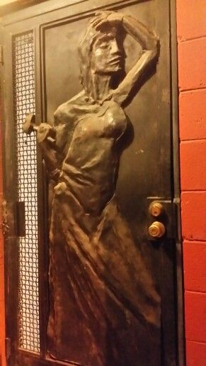 bisbee women Bisbee is a free-spirited place with a thriving arts/music/hospitality scene, amid a remarkably well-preserved historical architectural setting discoverbisbeecom offers you all the.