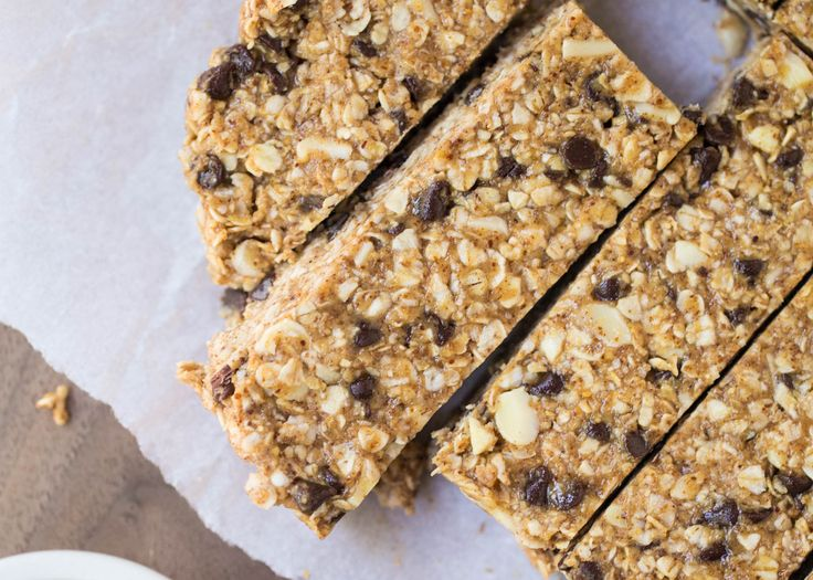Favorite No Bake Homemade Granola Bars – made with only 5 ingredients! This is a super easy recipe that you can customize with your favorite ingredients. Growing up my favorite snack was granola bars. I still love them to this day and probably have one every other day. They are just so easy to grab on …