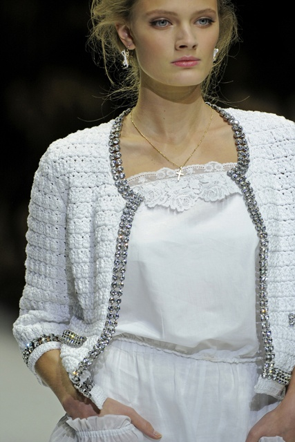 Dolce and Gabbana, like this too. Looks brilliant on the model, probably turn me into a grandma.