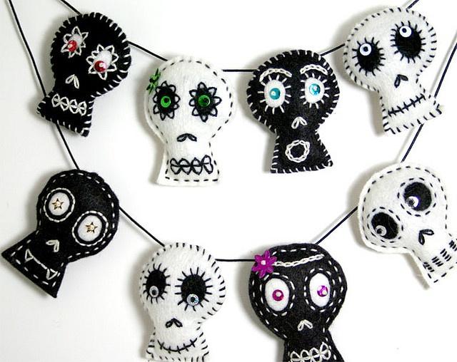 B+W Skulls by Rawbone Studio, via Flickr / inspiration