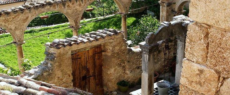 Bellissimo scorcio di Palazzo Cappa! #Abruzzo #Travel #Italy #navelli #zafferano #saffron #abruzzosegreto