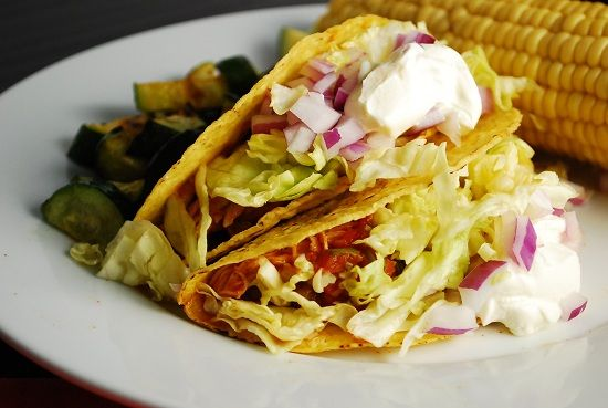 Crock Pot Chicken Ranch Tacos Recipe – 6 Points   - LaaLoosh