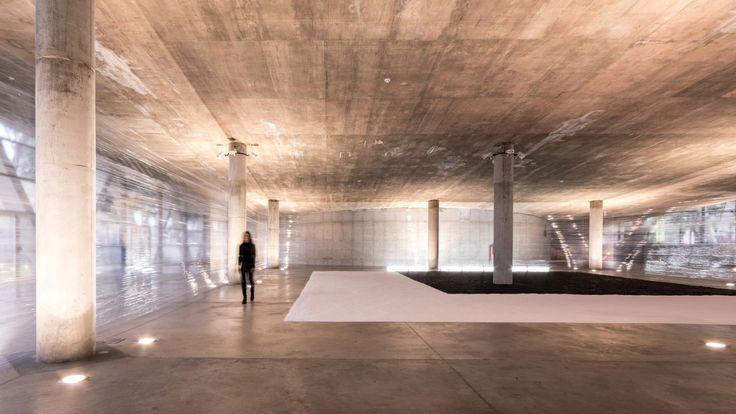 La artista visual argentinaRomina Castiñeirapresentasu más reciente instalación artística: El origen:'Te regalo la luz de este viaje hacia el...   http://www.plataformaarquitectura.cl/cl/788888/el-origen-una-instalacion-de-arte-bajo-el-lente-de-gonzalo-viramonte?utm_medium=email&utm_source=Plataforma+Arquitectura