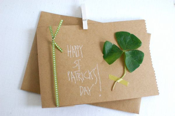 Saint Patrick's Day cards for kids - easy, fun crafts!Crafts Ideas, For Kids, Saint Patricks Day, Patricks Cards, Green Crafts, St Patricks Day Homemade Cards, Crafts Organic, Sweets Messages, Diy Projects