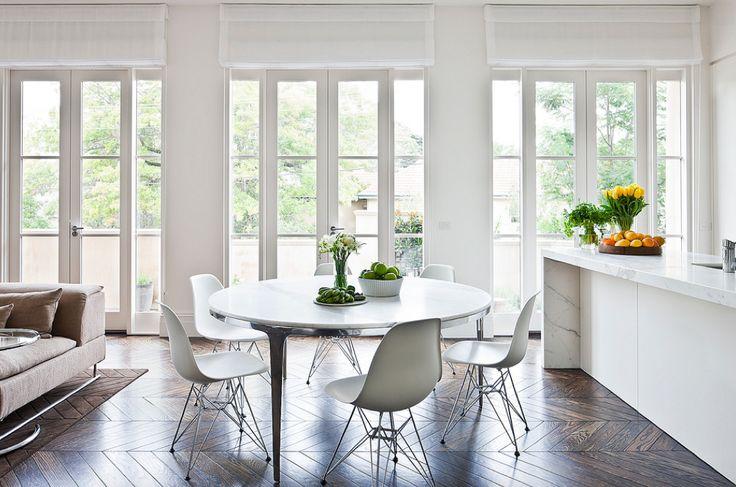 Grande table à manger ronde : 22 idées pour aménager la salle à manger