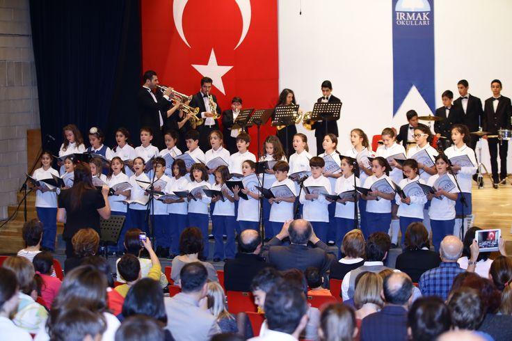 Koromuzun Barış İçin Müzik Vakfı-Brassband ile birlikte performansı