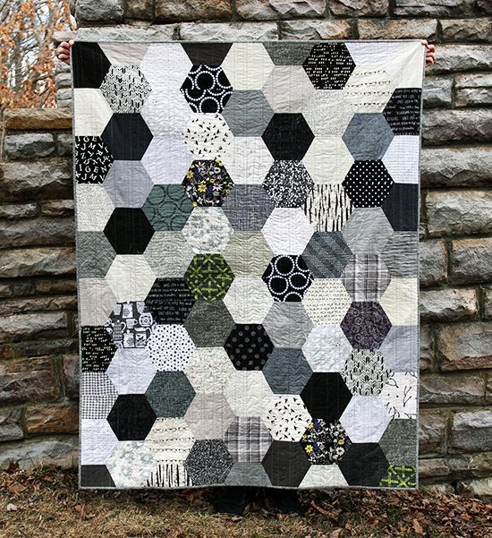 The Black, White & Gray Half Hexie Quilt {an Art School Dropout's life} #hexagon quilt