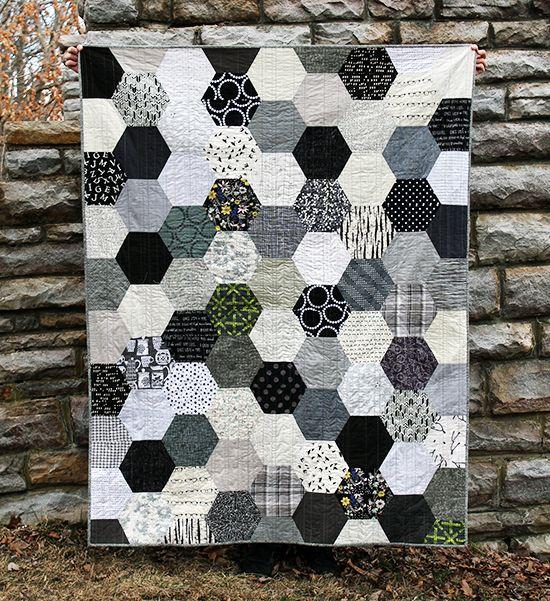 The Black, White & Gray Half Hexie Quilt {an Art School Dropout's life} #hexagon quilt