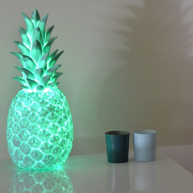 les 25 meilleures id es concernant lampe d 39 ananas sur pinterest ananas dor design ananas et. Black Bedroom Furniture Sets. Home Design Ideas
