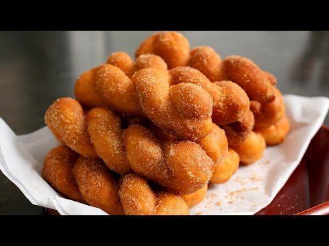 Twisted Korean doughnuts (Kkwabaegi: 꽈배기) - YouTube