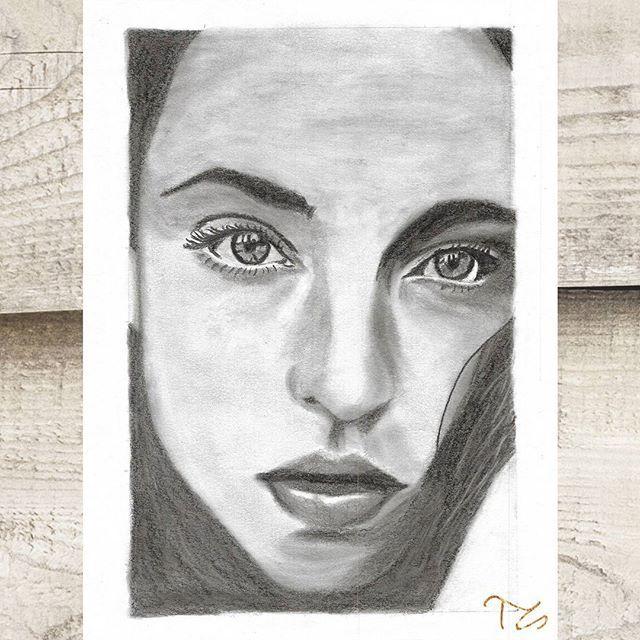 #art #myart #drawing #drawings #mydrawing #graphitedrawing #graphiteart #pencil #pencilart #instaarts #woman #face #eyes #lips
