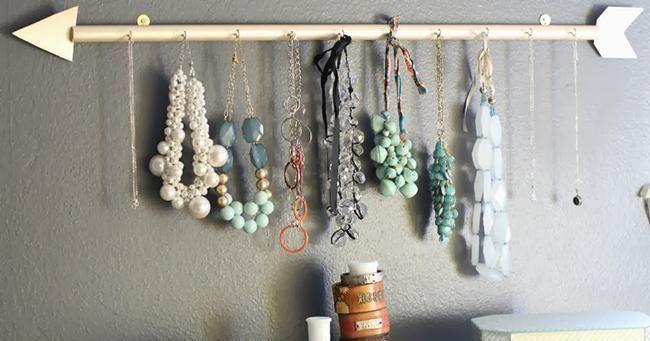 Hazte un colgador de collares y pendientes handmade