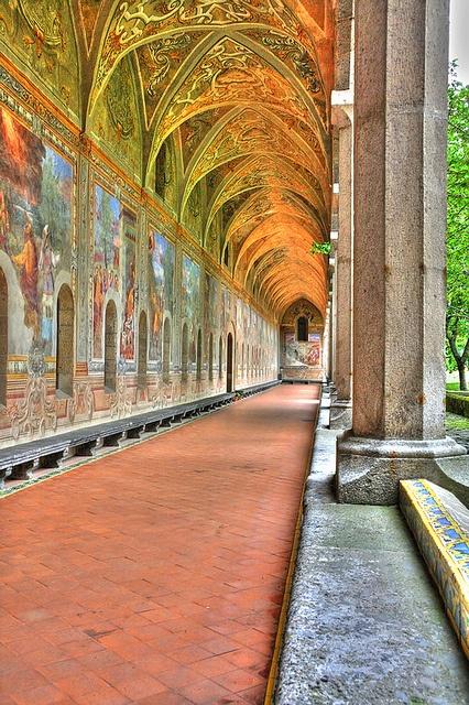 Napoli: Monastero di Santa Chiara! Chiostro delle clarisse!