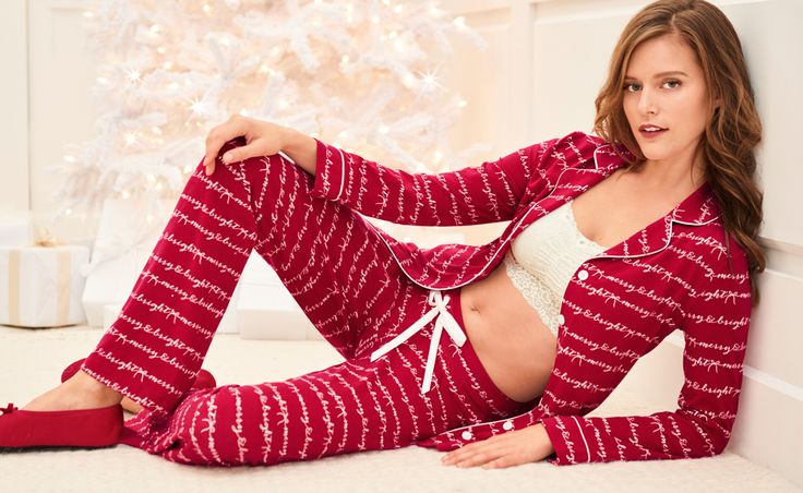 Make your holidays merry & bright.  Cozy jersey knit pajama top looks sophisticated and feels wonderfully soft and comfy. Contrast charmeuse piping neatly outlines the top's notched collar and front placket.