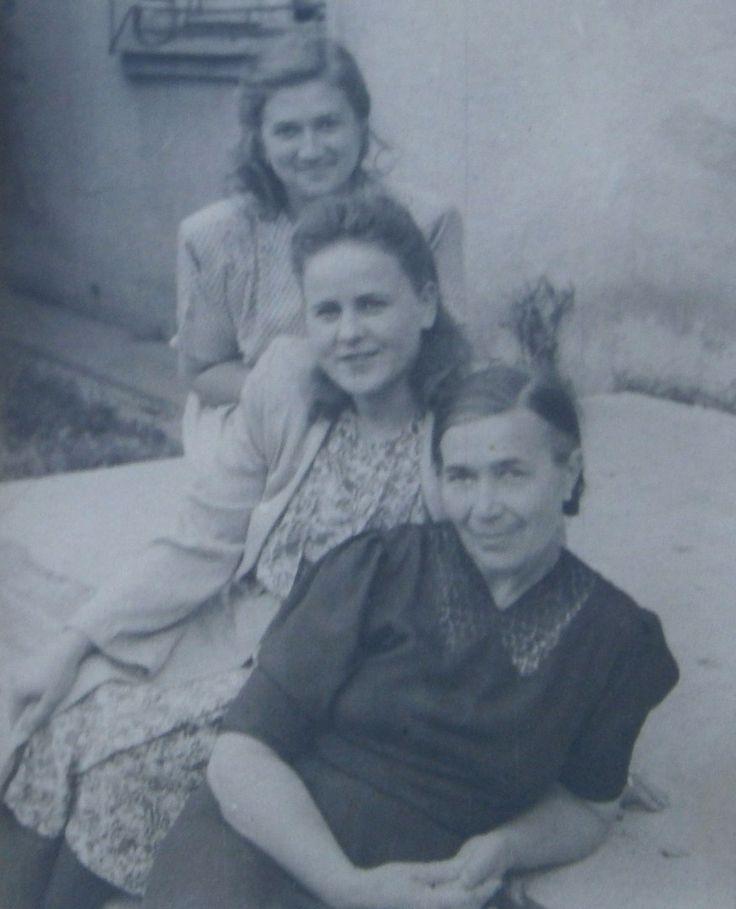 Женские прически на фотографиях 1940-х годов, СССР