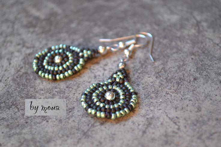 Boucles d'oreille pendantes ,forme ronde en perles tissées : Boucles d'oreille par by-moua