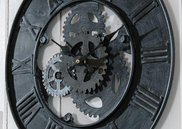 Zegar metalowy koła zębate z kolekcji #loft #belldeco  Elegancki, industrialny, ciemny zegar nada charakteru Twojemu wnętrzu. #clock #homedesigne #homedecor #home #wall #black #timetodesigne