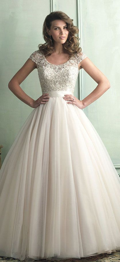 2014 V Neck A Line Lace Bodice With Tulle Skirt Wedding Dress With Sash