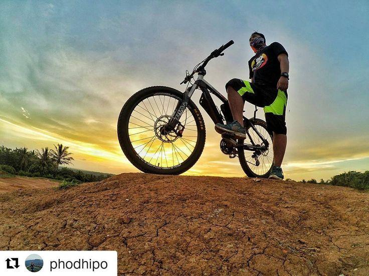 #Repost @phodhipo  selamat pagi :D om Dhipo kembali berulah. wkwk  NGABUBURIDE!! #pacificrider #pacificbike #pacificbikerider #Mtb #adventure #ngabuburit #crosscountry #xiaomiyi #phonephotography #actioncam #photooftheday #instadaily #instagramers #likesforlikes #likesforlikes #followforfollow #pacificbikes #pacificbikerider #sepeda #sepedagunung #bersepeda #gowes #hardtail #mountainbike #mtbindonesia #crosscountry #explorelebak #explorebanten