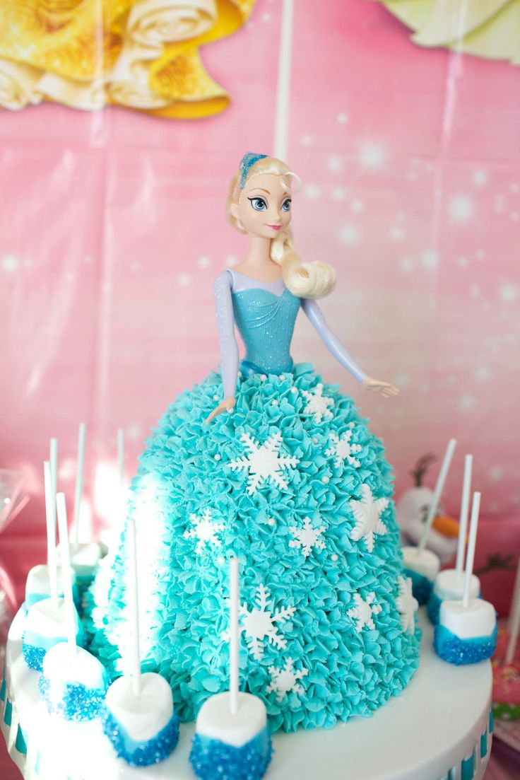 Elsa cake I made for my daughters 4th Birthday!