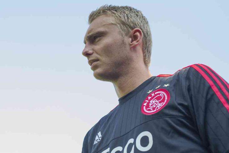 Jasper Cillessen heeft vandaag gereageerd op de geruchten rondom Manchester United. Ook laat de sluitpost op de officiële site van Ajax weten dat hij gewoon beschikbaar voor het duel tegen Rapid Wien morgen in de Amsterdam ArenA.