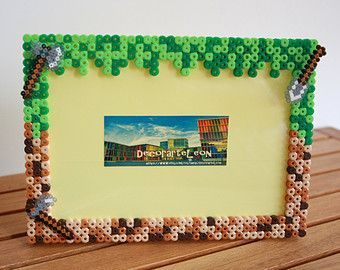 Minecraft decoration photo frame. Hama Beads minecraft. Pixel art perler.