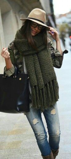 Fall outfit green warm thick wool scarves rock designers at www.yourselegantly.com suggest green scarves for women and men this fall winter 2014.