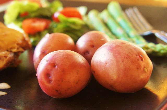 An Easy Way to Cook Red Potatoes...in the Slow Cooker #slowcooker #crockpot