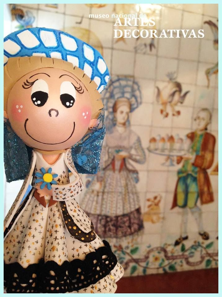 ¡Vaya final de recorrido! La Señora Vicenta nos ha invitado a entrar en la planta 4 del museo, concretamente en su cocina valenciana, para ofreceros un agasajo antes de vuestra visita al museo. ¡Nos vemos en el MNAD!   http://mnartesdecorativas.mcu.es/VisitaVirtual/cocina.html