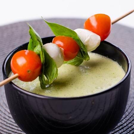 Joghurtos rukkolakrémleves caprese nyárssal Recept képpel - Mindmegette.hu - Receptek