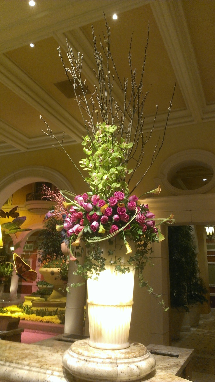 Something that I secretly look forward to see every trip to Las Vegas: The flower arrangements at The Bellagio Hotel's lobby. - Finest in the world.