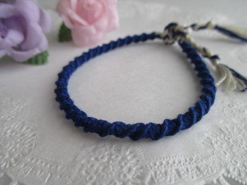 ねじり編みのミサンガ ~2色使い~の作り方 その他 ファッション小物 ハンドメイド   アトリエ