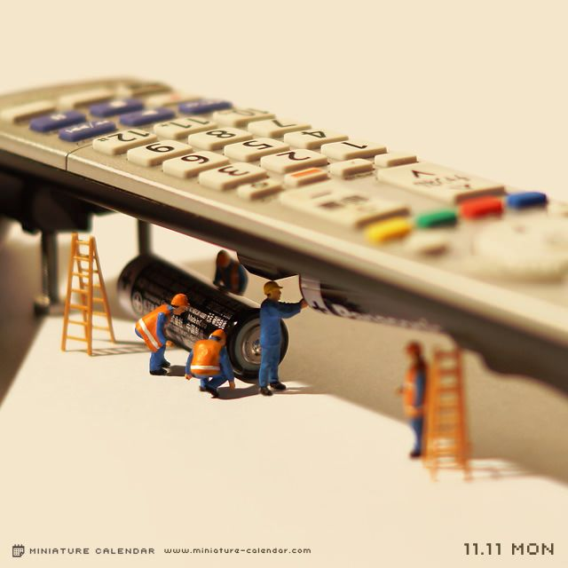miniature photography - small world and tiny people Changing battery