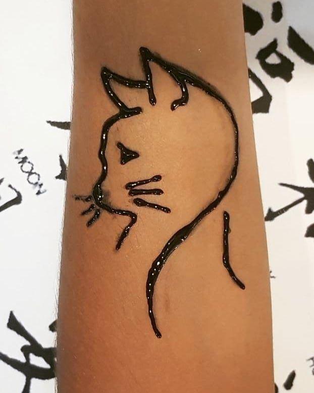 Meow Cat Catlovers Meow Cute Henna Hennadesign Hennatattoo Tattoo Blackhenna Black Auburnink Black Henna Henna Henna Tattoo