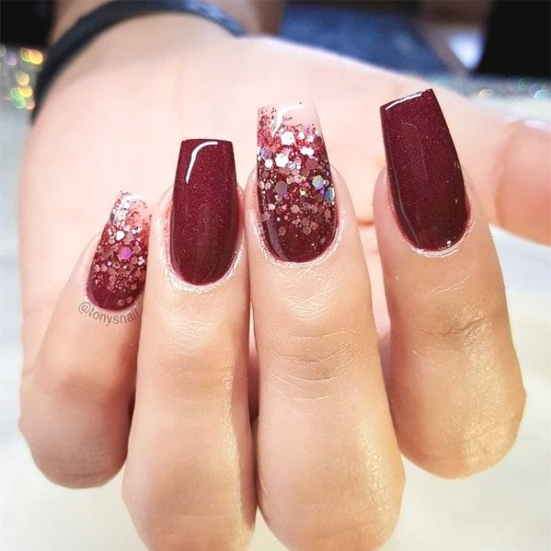 36 Graduation Nails Designs To Recreate For Your Big Day Glitter Accents For Graduation Nails To Graduation Nails Graduation Nail Designs Classy Nail Designs