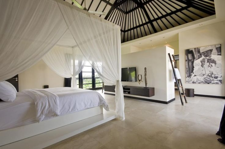 Treat yourself with elegant and magnificent holiday time in luxury villas in Bali. These rental villas Bali provides you the most comfortable and cozy accommodation of all time. Hurry up to avail your booking at the best handsome and lucrative pricing.