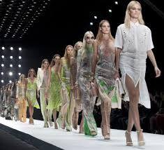 Stili e Modelli Guida Guida agli Stili  Scegli l'abito formale, da sera o per un occasione da sposa perfetto per la tua figura e il look che vuoi ottenere.