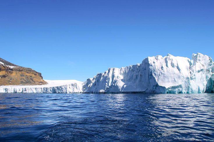Glacier on Brown Bluff, South Shetland Islands, Antarctica | heneedsfood.com