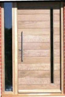 M033 puerta con franjas horizontales y ventanita