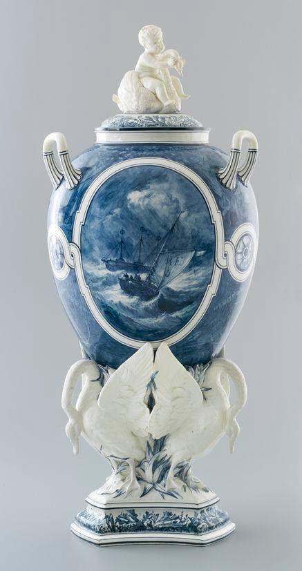 Stunning Wedgwood Etrurie Swan vase painted by John Holloway circa 1875