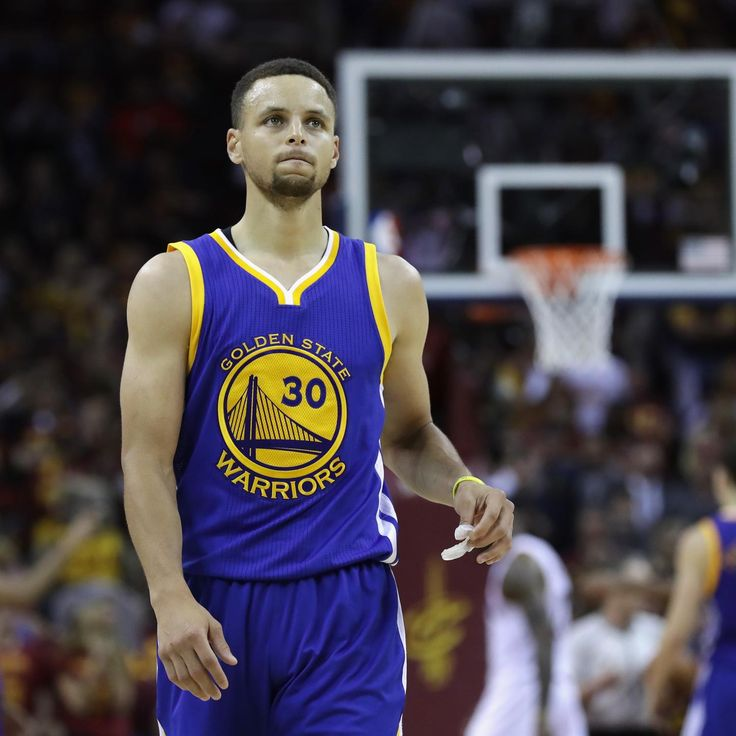 Stephen Curry Injury: Updates on Warriors PG's Knees, Shoulders and Recovery | Bleacher Report