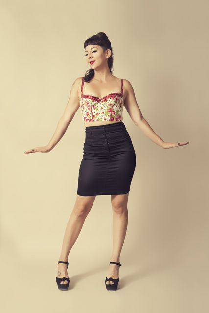 Pinup Posing   Pinup Poses that bring out the 50s in you!   Nashville pinup photographer Laura K. Allen  