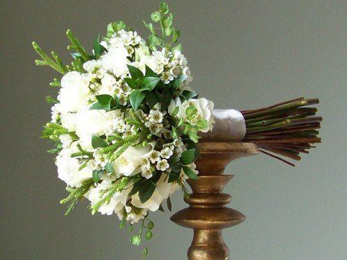 FLOWER HOME: Белые свадебные букеты
